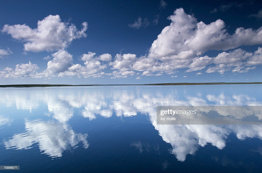 Clouds over lake, Yellowknife Region, NW Territories, Canada : Stock-Foto