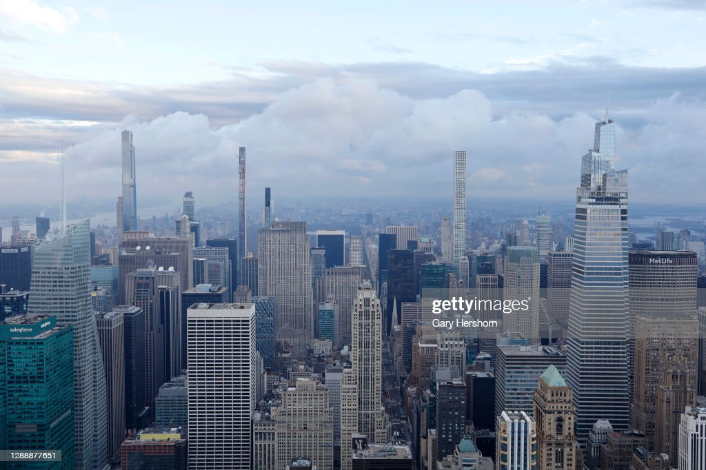 Sunrise Views From the Empire State Building in New York City : News Photo