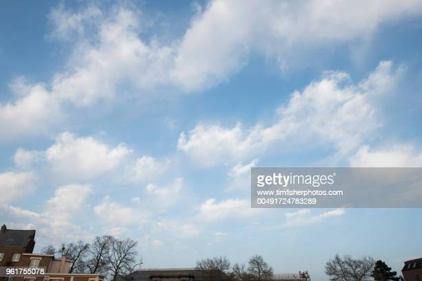 clouds & sky study - cumulus stock pictures, royalty-free photos & images
