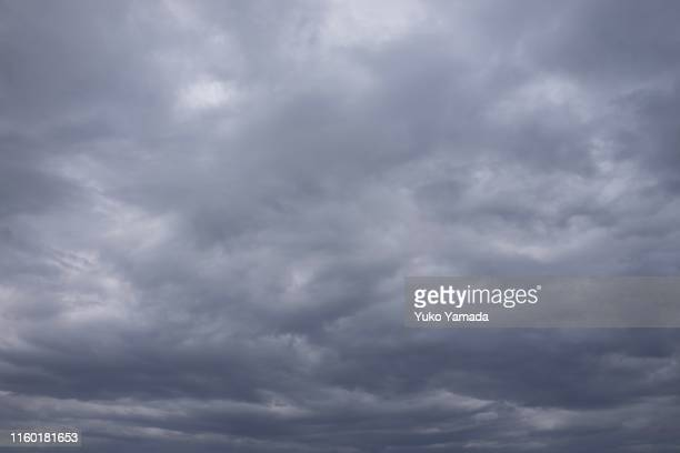 clouds typologies - moody sky stock pictures, royalty-free photos & images