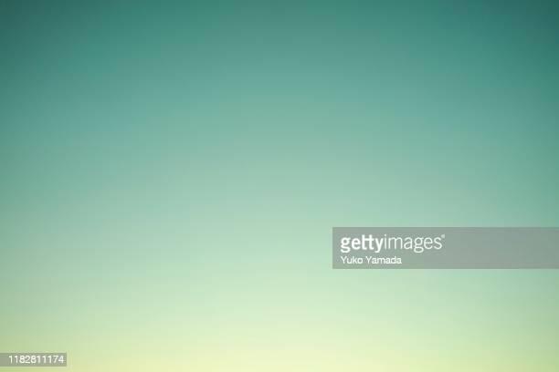 clouds typologies - twilight - sfumatura di colore foto e immagini stock