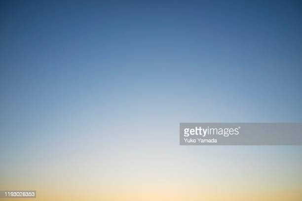 clouds typologies - twilight - clear sky stock pictures, royalty-free photos & images