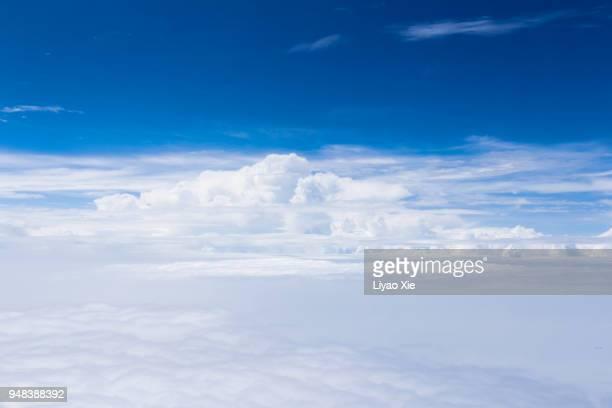 cloudscape in stratosphere - liyao xie fotografías e imágenes de stock