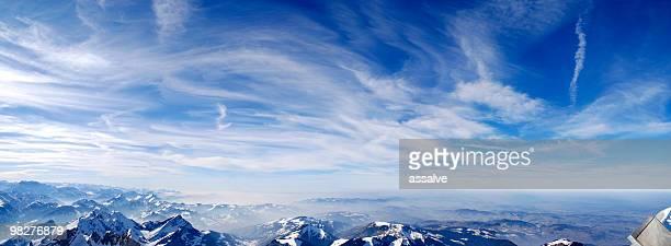 Wolkengebilde panorama über Schweizer Bergen (XXL