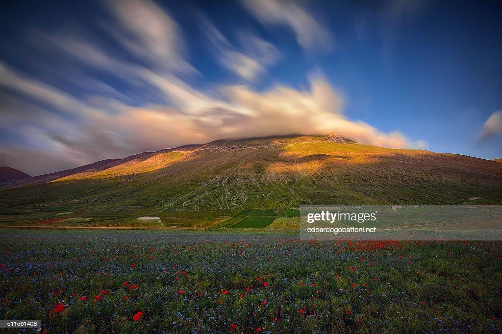 Clouds's volcano : Foto stock