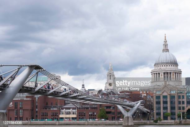 cloudy london skyline with st pauls cathedral and the millennium bridge - lyn holly coorg stock pictures, royalty-free photos & images