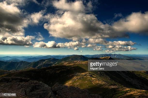 cloudy sky on mountains - salamanca imagens e fotografias de stock