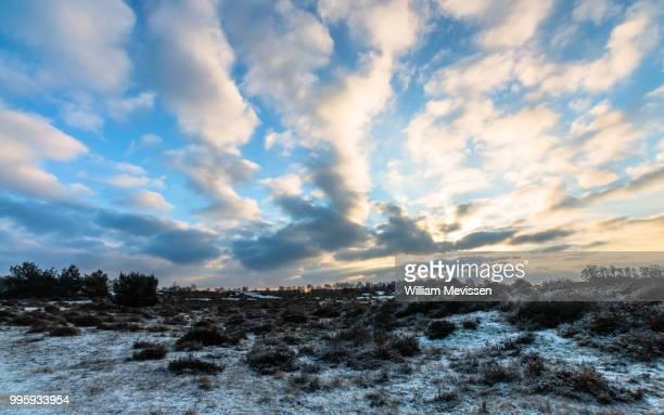 cloudy sky - william mevissen - fotografias e filmes do acervo