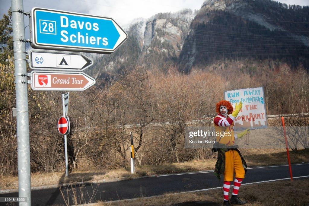 Strike WEF Climate March On Davos : Nachrichtenfoto