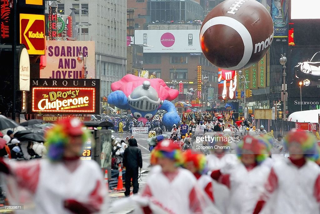 Macy's Thanksgiving Parade Celebrates Its 80th Year : News Photo