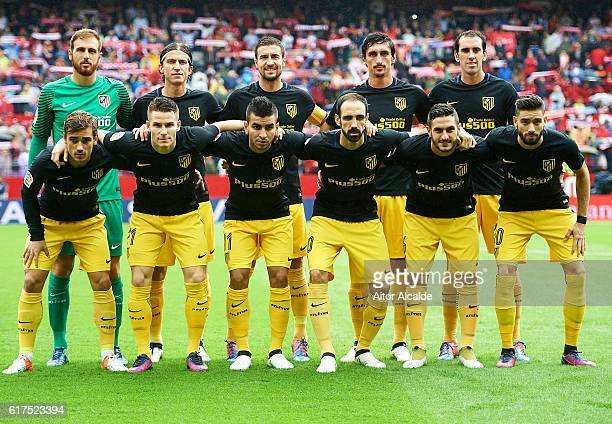 Club Atletico de Madrid squad poses for a picture during the match between Sevilla FC vs Club Atletico de Madrid as part of La Liga at Estadio Ramon...