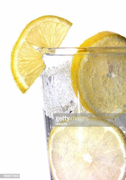club soda with lemon