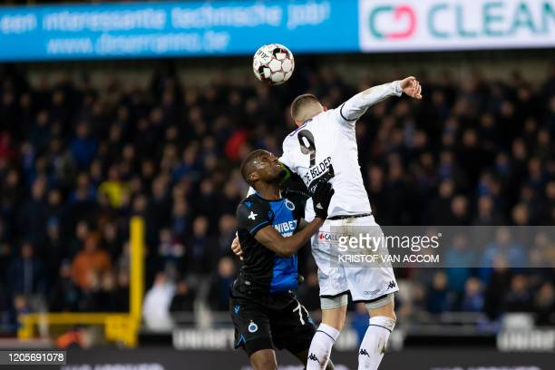 Club's Clinton Mata and Cercle's Dylan De Belder fight for the ball during a soccer match between Club Brugge KV and Cercle Brugge KSV Saturday 07...