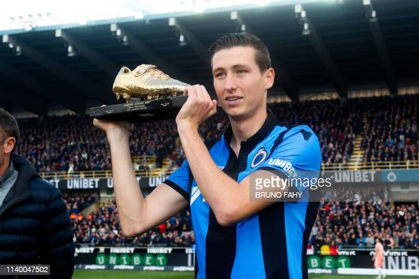 Club's Hans Vanaken poses with the golden shoe, at the start of a soccer match between Club Brugge and RSC Anderlecht, Sunday 28 April 2019 in...