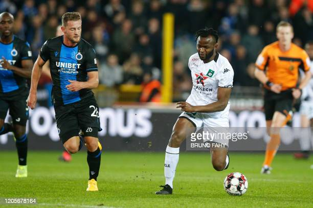 Club's Mats Rits and Cercle's Johanna Omolo fight for the ball during a soccer match between Club Brugge KV and Cercle Brugge KSV Saturday 07 March...