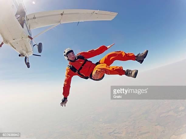 Clumsy parachutist