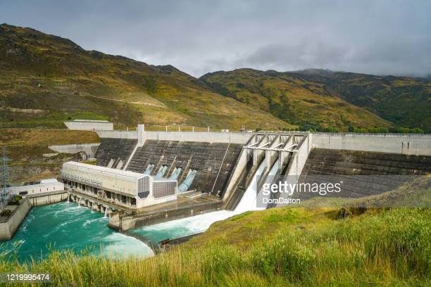 clyde dam power station, new zealand - hydroelectric power stock pictures, royalty-free photos & images