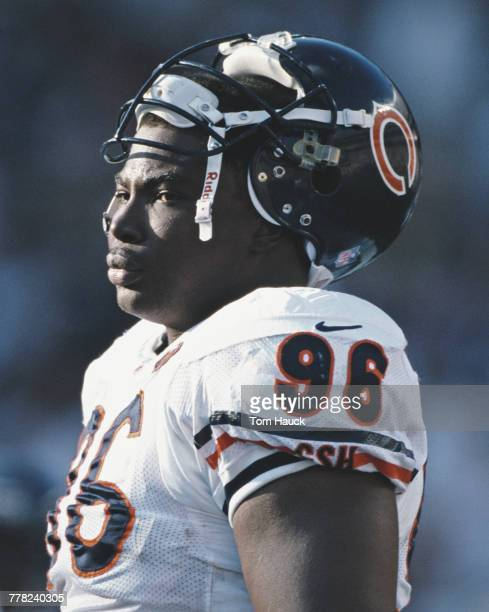 Clyde Simmons Defensive End for the Chicago Bears during the American Football Conference West game against the San Diego Chargers on 21 November...