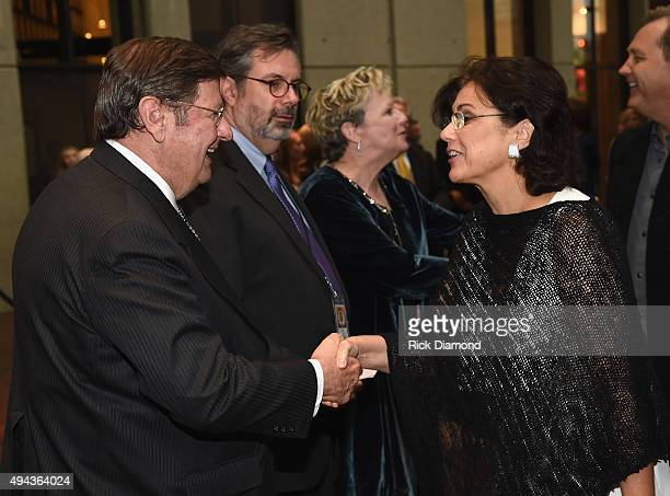 CMHoFM's Steve Turner Pete Finney and Carolyn Tate greet Caryn Wariner at The Country Music Hall of Fame 2015 Medallion Ceremony at the Country Music...