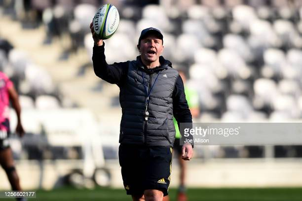 Coach Aaron Mauger talks during a Highlanders Super Rugby training session at Forsyth Barr Stadium on July 17 2020 in Dunedin New Zealand