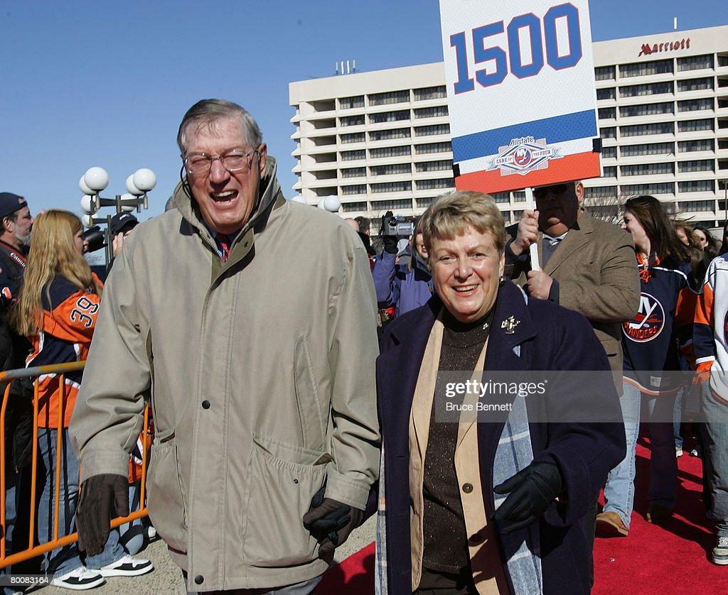 UNS: In Focus: Former Islanders Coach Al Arbour Dies At 82