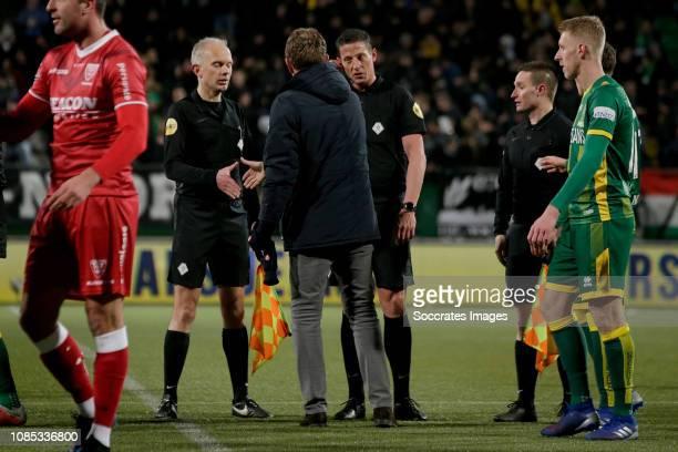 coach Alfons Groenendijk of ADO Den Haag referee Jeroen Manschot during the Dutch Eredivisie match between ADO Den Haag v VVVVenlo at the Cars Jeans...