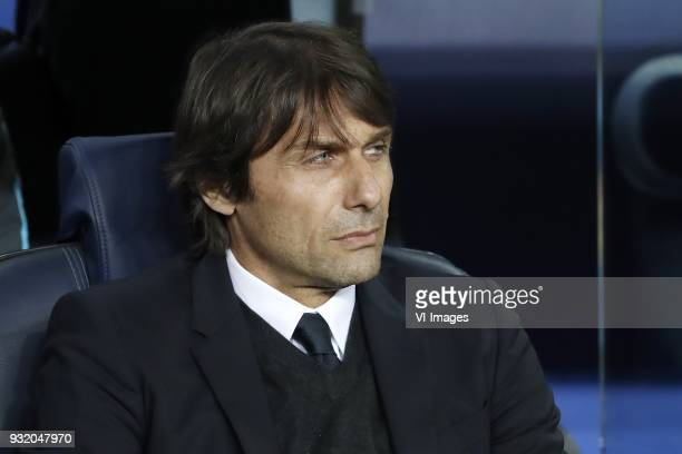 coach Antonio Conte of Chelsea FC during the UEFA Champions League round of 16 match between FC Barcelona and Chelsea FC at the Camp Nou stadium on...