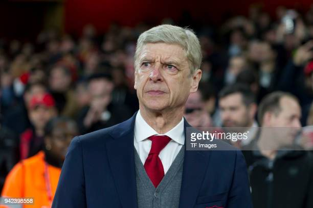 Coach Arsene Wenger of Arsenal looks on during the UEFA UEFA Europa League Quarter-Final first leg match between Arsenal FC and CSKA Moskva at...