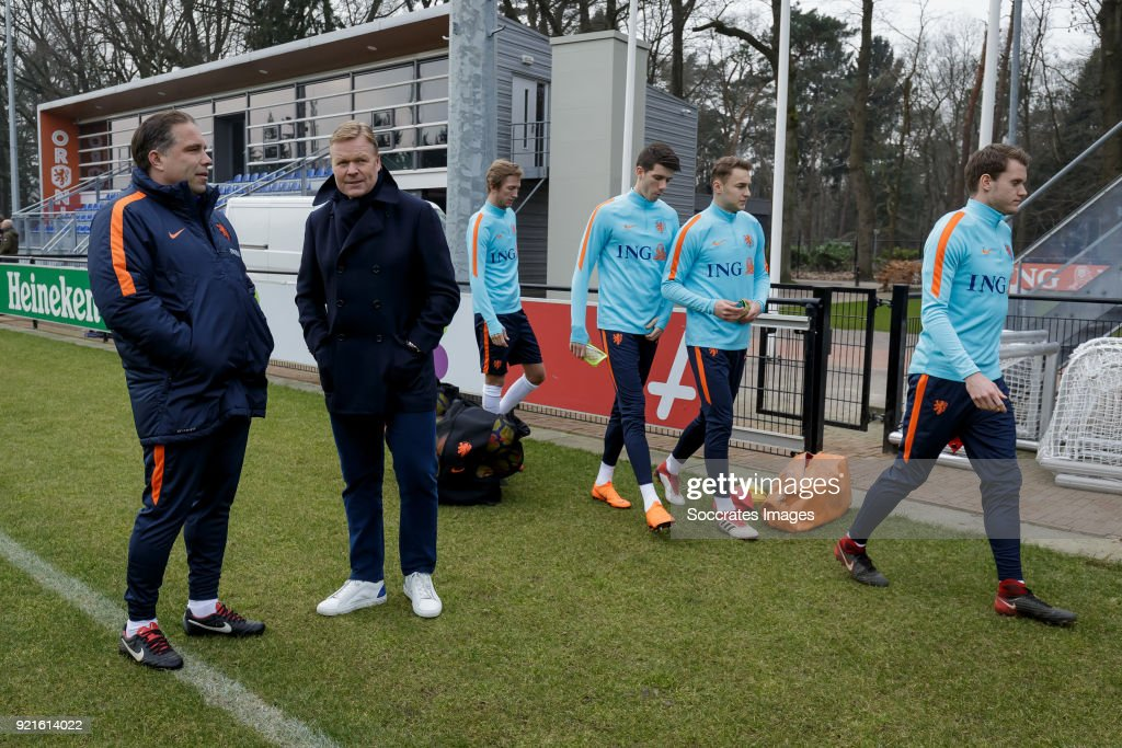 coach Art Langeler of Holland U21, coach Ronald Koeman of Holland during the Training Holland U21 at the KNVB Campus on February 19, 2018 in Zeist Netherlands