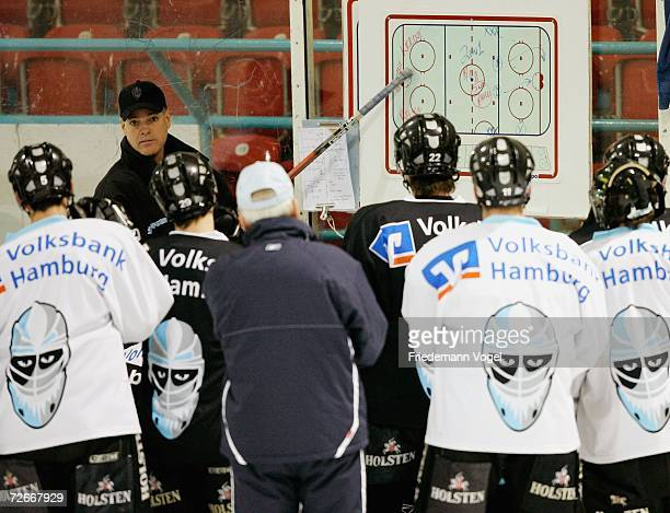 Coach Bill Stewart gives advice to his players during the training session of the Hamburg Freezers at the Farmsen icehall on November 29 2006 in...