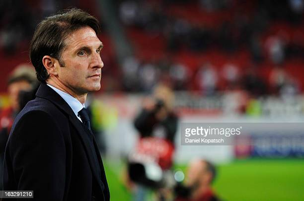 Coach Bruno Labbadia of Stuttgart looks on prior the UEFA Europa League round of sixteen first leg match between VfB Stuttgart and Lazio at...