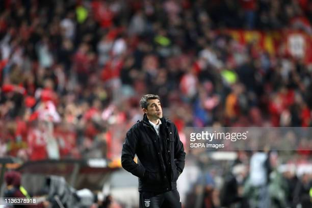 Coach Bruno Lage of SL Benfica in action during the UEFA Europa League 2018/2019 football match between SL Benfica vs Eintracht Frankfurt