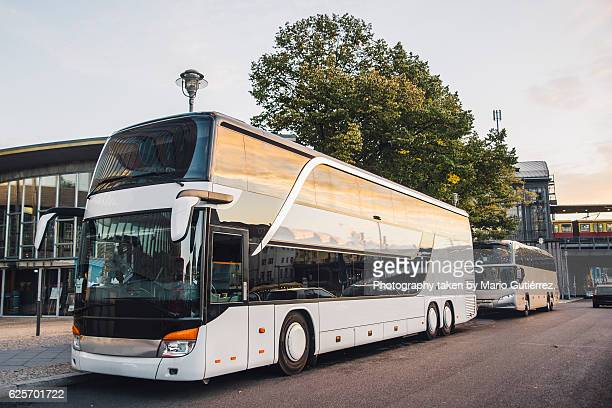 coach bus - coach stock pictures, royalty-free photos & images