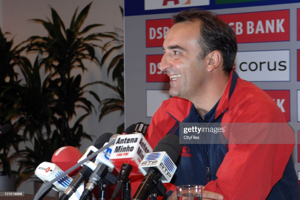 UEFA Cup - SC Braga Training Session and Press Conference - October 18, 2006 : News Photo