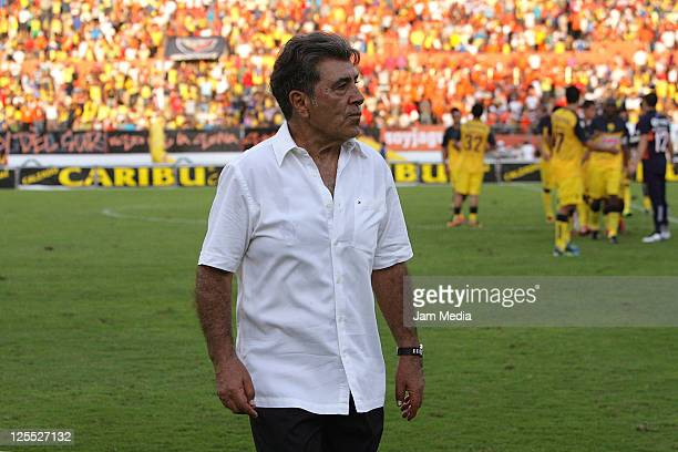 Coach Carlos Reinoso of America during a match as part of the Apertura 2011 at Victor Manuel Reyna Stadium on September 17 2011 in Tuxtla Gutierrez...
