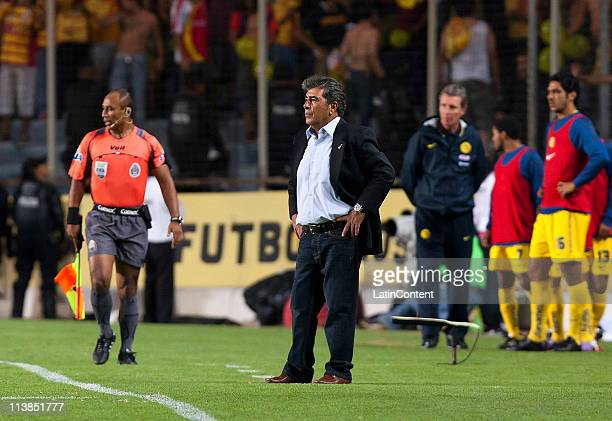 Coach Carlos Reinoso of America during a quarter finals match as part of the Clausura Tournament 2011 at Morelos Stadium on May 08 2011 in Morelia...