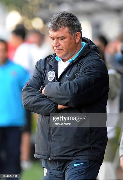 Coach Claudio Borghi of Boca Juniors during a match against Estudiantes de La Plata as part of the IVECO Bicentenario Apertura 2010 on September 25...