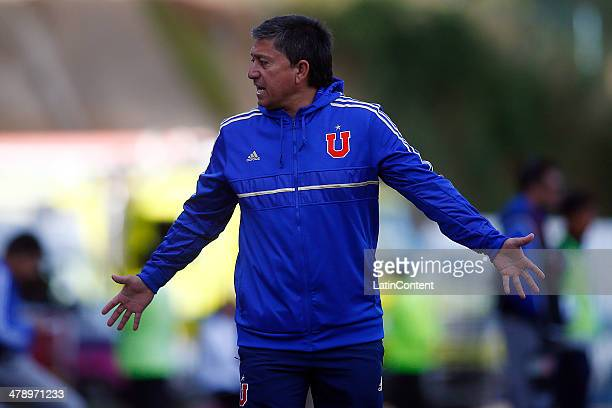 Coach Cristian Romero of U de Chile reacts during a match between U de Chile and Deporte Iquique as part of round 11 of Torneo Clausura 2014 at Cap...