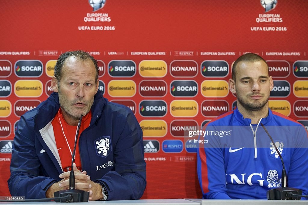 """EURO 2016 qualifier - """"Press conference Netherlands"""" : News Photo"""