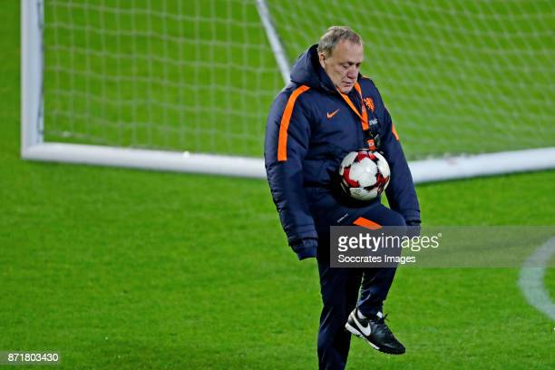 coach Dick Advocaat of Holland during the match between Training Holland in Aberdeen at the Pittodrie Stadium on November 8 2017 in Aberdeen United...