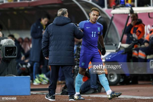 coach Dick Advocaat of Holland Memphis Depay of Holland during the friendly match between Romania and The Netherlands on November 14 2017 at Arena...