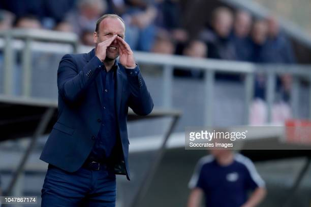 coach Dick Lukkien of FC Emmen during the Dutch Eredivisie match between FC Emmen v Fortuna Sittard at the De JENS Vesting on October 7 2018 in Emmen...
