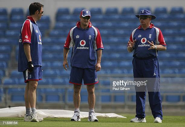 Coach Duncan Fletcher talks to Andrew Strauss and Marcus Trescothick of England during the England nets session prior to the 5th One Day...