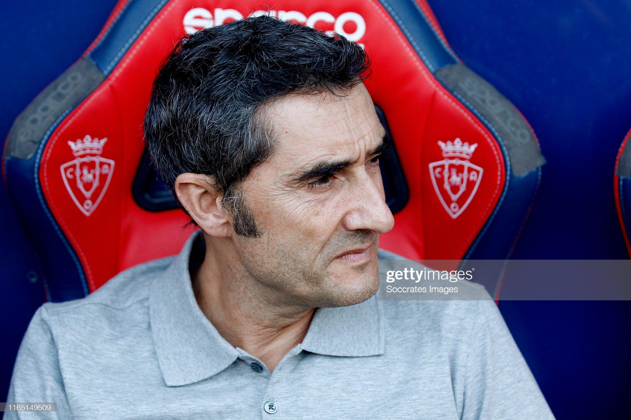 صور مباراة : أوساسونا - برشلونة 2-2 ( 31-08-2019 )  Coach-ernesto-valverde-of-fc-barcelona-during-the-la-liga-santander-picture-id1165149509?s=2048x2048