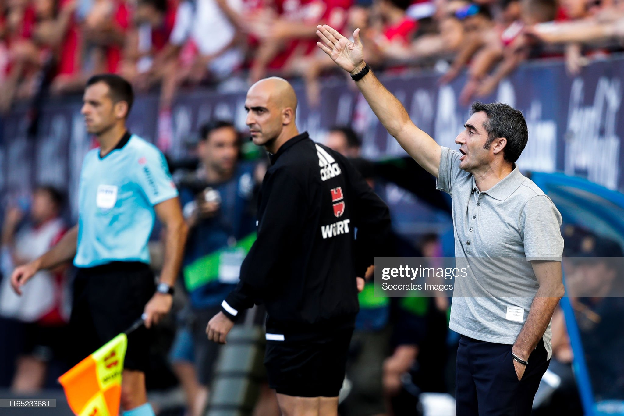 صور مباراة : أوساسونا - برشلونة 2-2 ( 31-08-2019 )  Coach-ernesto-valverde-of-fc-barcelona-during-the-la-liga-santander-picture-id1165233681?s=2048x2048