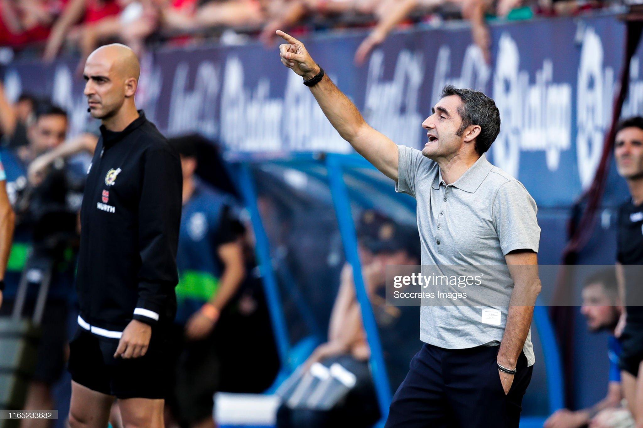 صور مباراة : أوساسونا - برشلونة 2-2 ( 31-08-2019 )  Coach-ernesto-valverde-of-fc-barcelona-during-the-la-liga-santander-picture-id1165233682?s=2048x2048