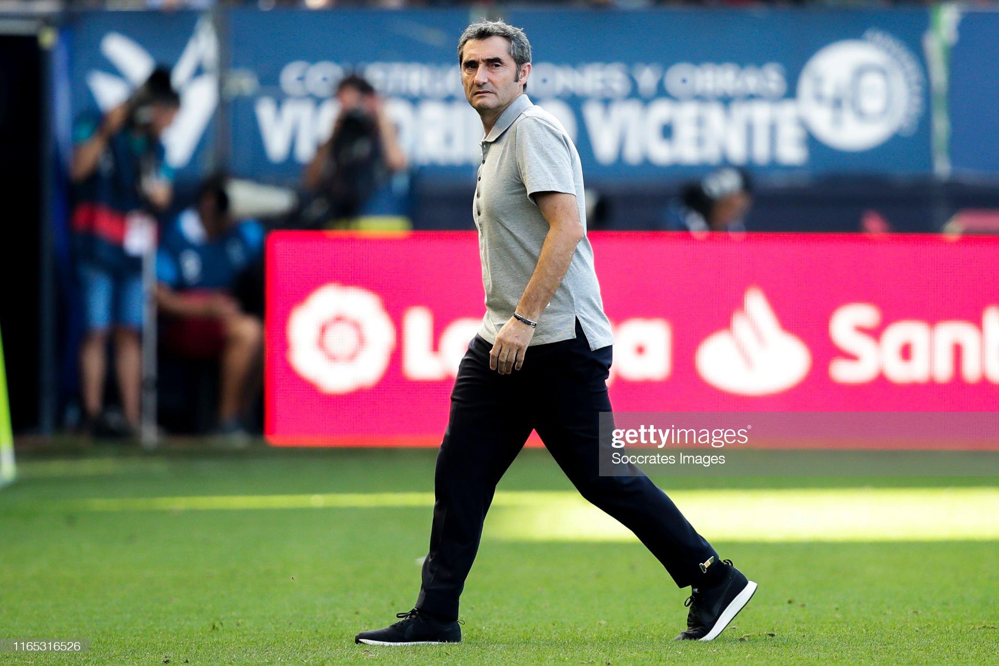 صور مباراة : أوساسونا - برشلونة 2-2 ( 31-08-2019 )  Coach-ernesto-valverde-of-fc-barcelona-during-the-la-liga-santander-picture-id1165316526?s=2048x2048