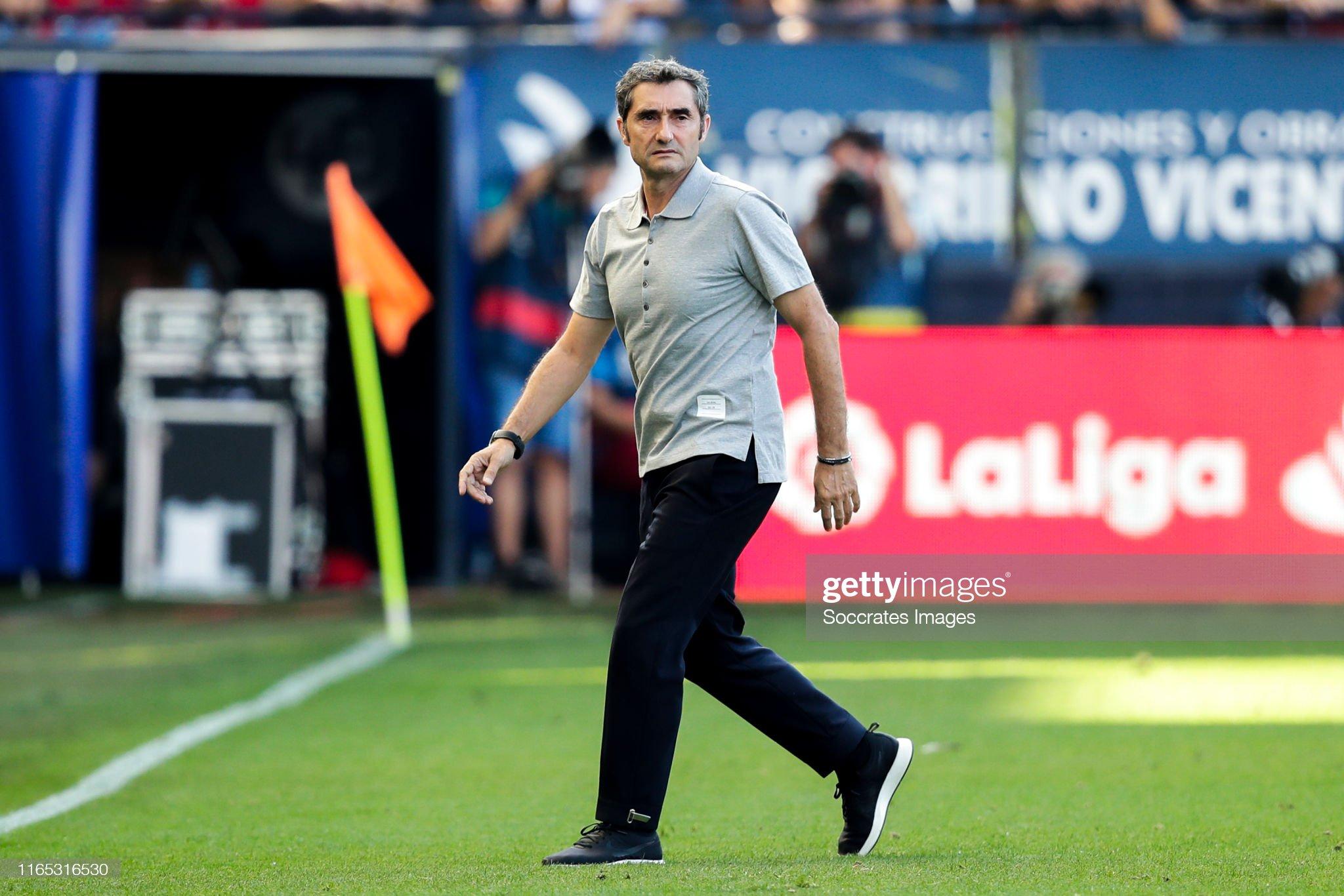 صور مباراة : أوساسونا - برشلونة 2-2 ( 31-08-2019 )  Coach-ernesto-valverde-of-fc-barcelona-during-the-la-liga-santander-picture-id1165316530?s=2048x2048