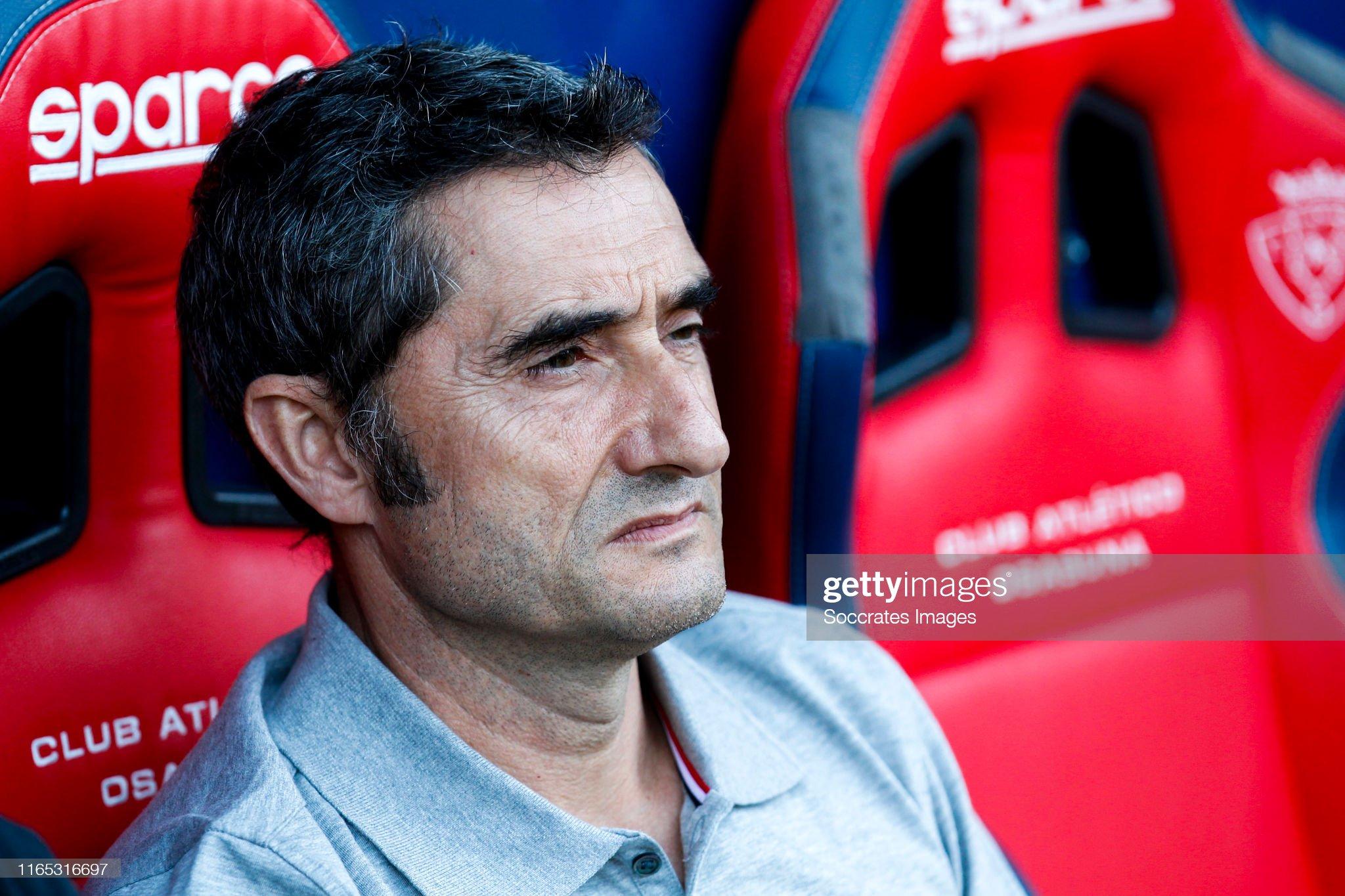 صور مباراة : أوساسونا - برشلونة 2-2 ( 31-08-2019 )  Coach-ernesto-valverde-of-fc-barcelona-during-the-la-liga-santander-picture-id1165316697?s=2048x2048