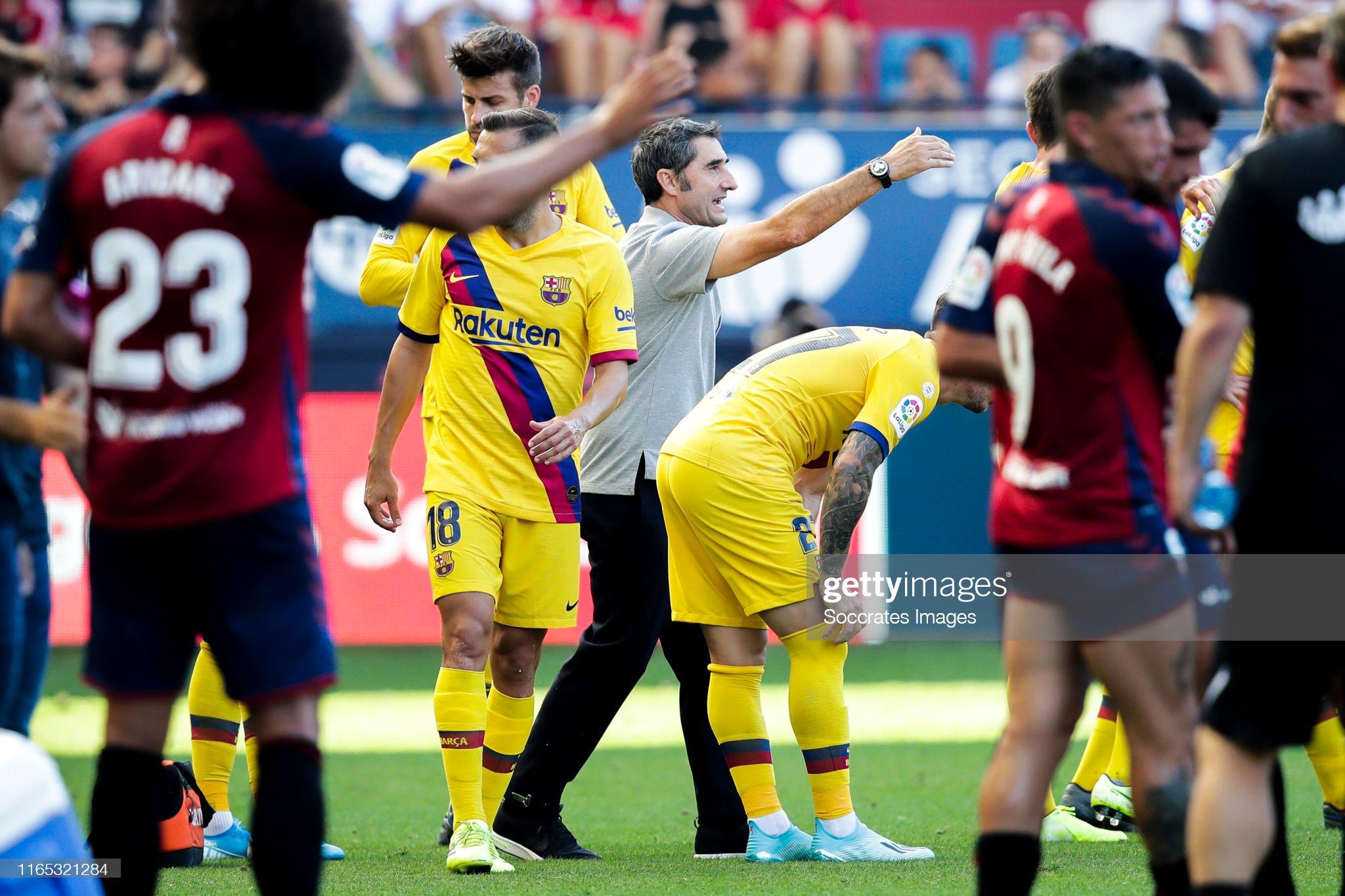 صور مباراة : أوساسونا - برشلونة 2-2 ( 31-08-2019 )  Coach-ernesto-valverde-of-fc-barcelona-during-the-la-liga-santander-picture-id1165321284?s=2048x2048
